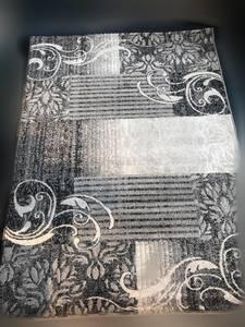 Rug/Floral Pattern