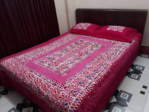 Mom-Batik Ortha Bedsheet Set - Full Stitched