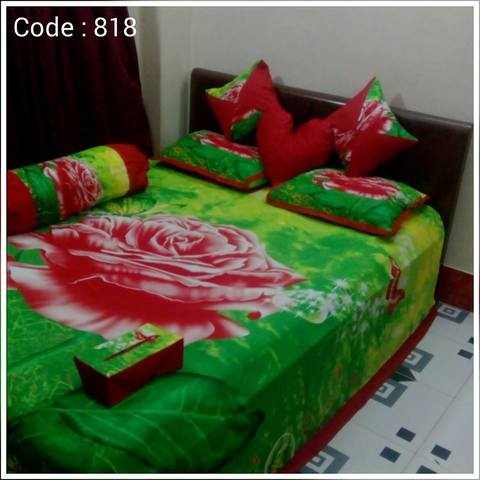 8 pecs king size panel bedsheet - Green Red