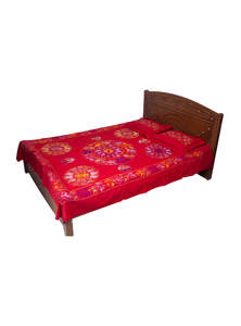 Red Cotton Bed Sheet with Two Pillow Covers